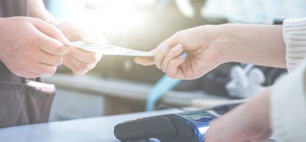 pos-credit-card-settlement-instead-of-cash-settlement-shopping_1359-1162